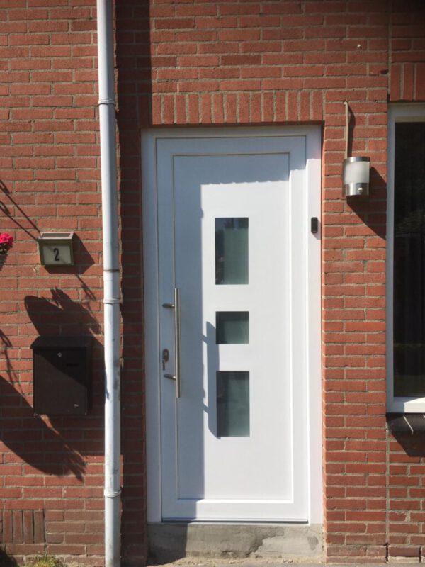 voordeur vlak profiel met nl ek 14 en stang
