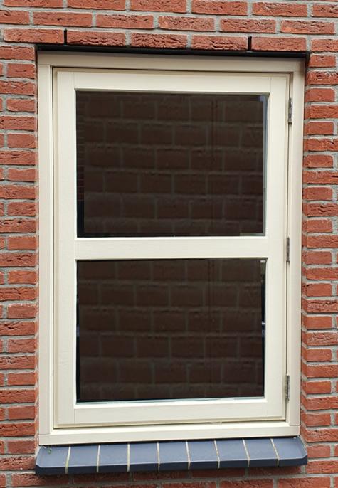 raam met extra tussen dorpel