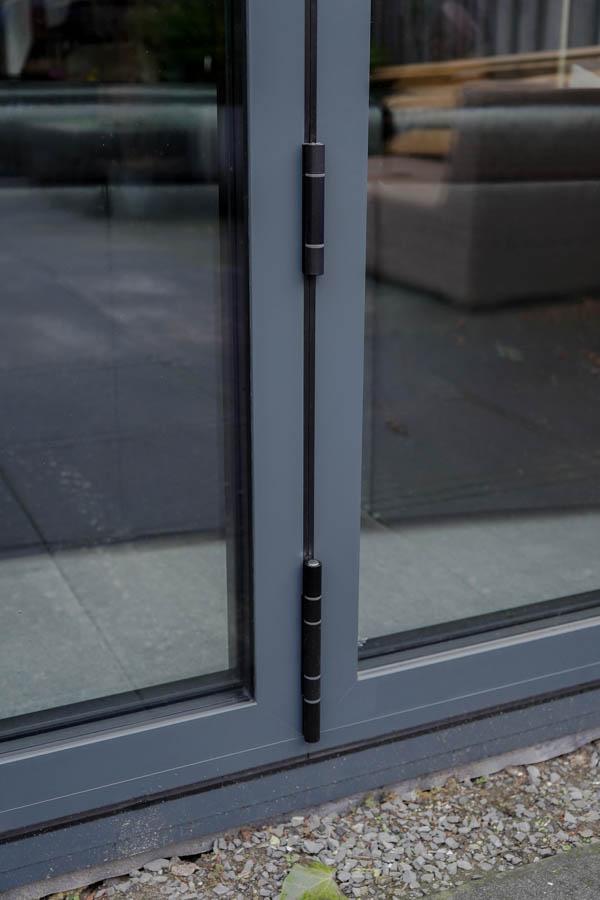 Schanieren buitenzijde 4-delige aluminium harmonicadeur
